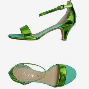 EUC suede metallic kitten heels Italy Made 7-7.5